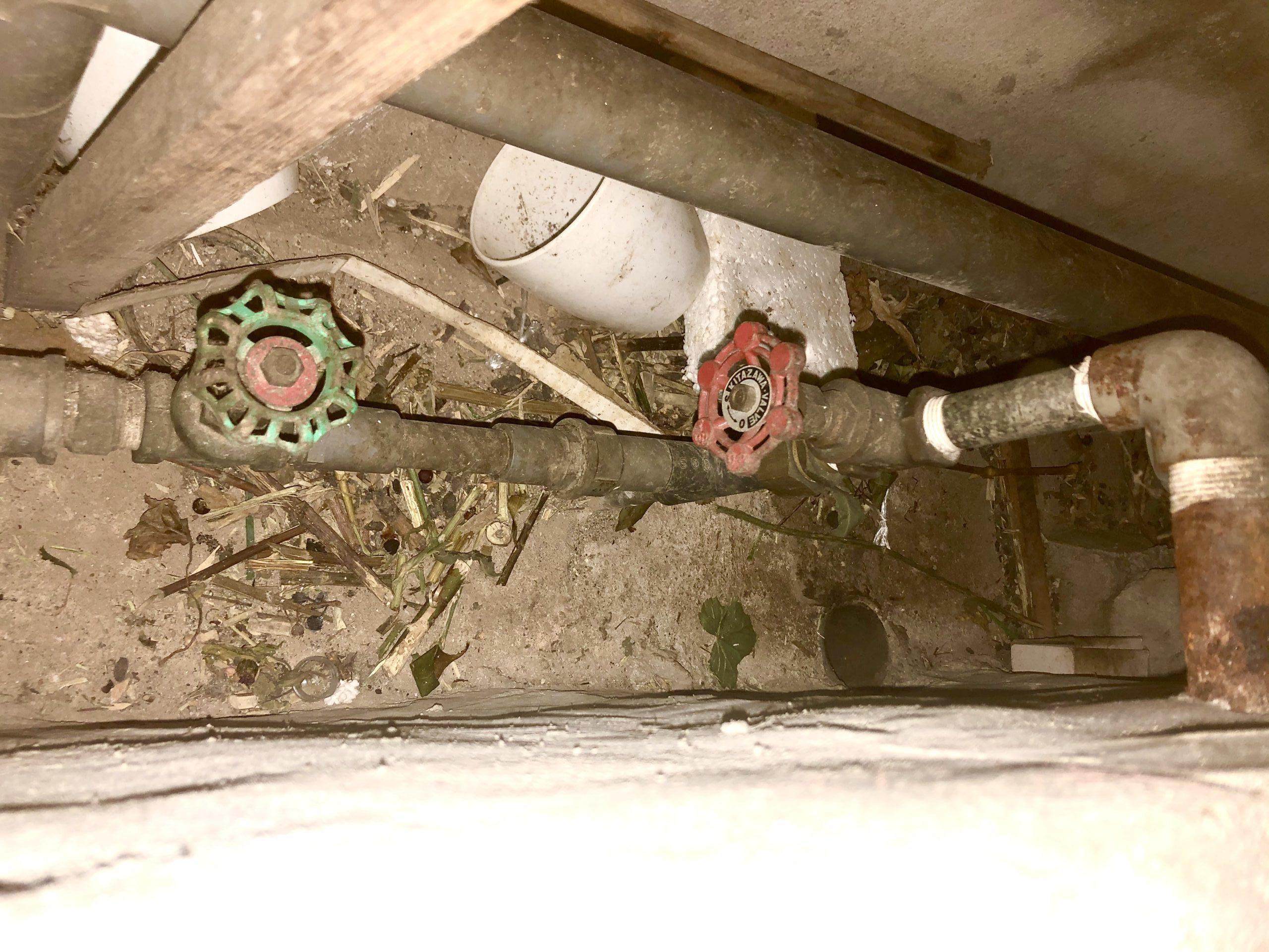 天王寺区 ポンプ室配管 施工前