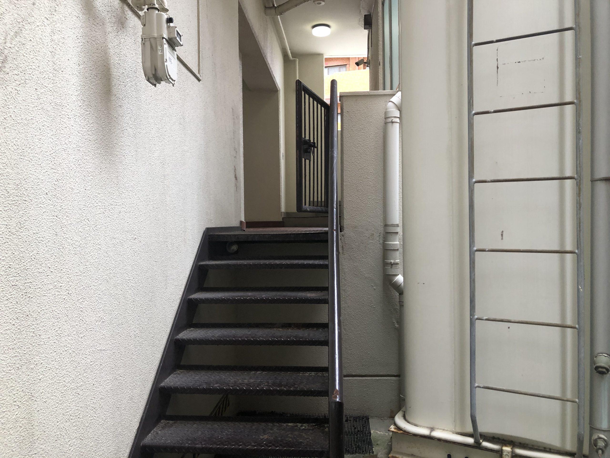 天王寺区 施工前外階段①