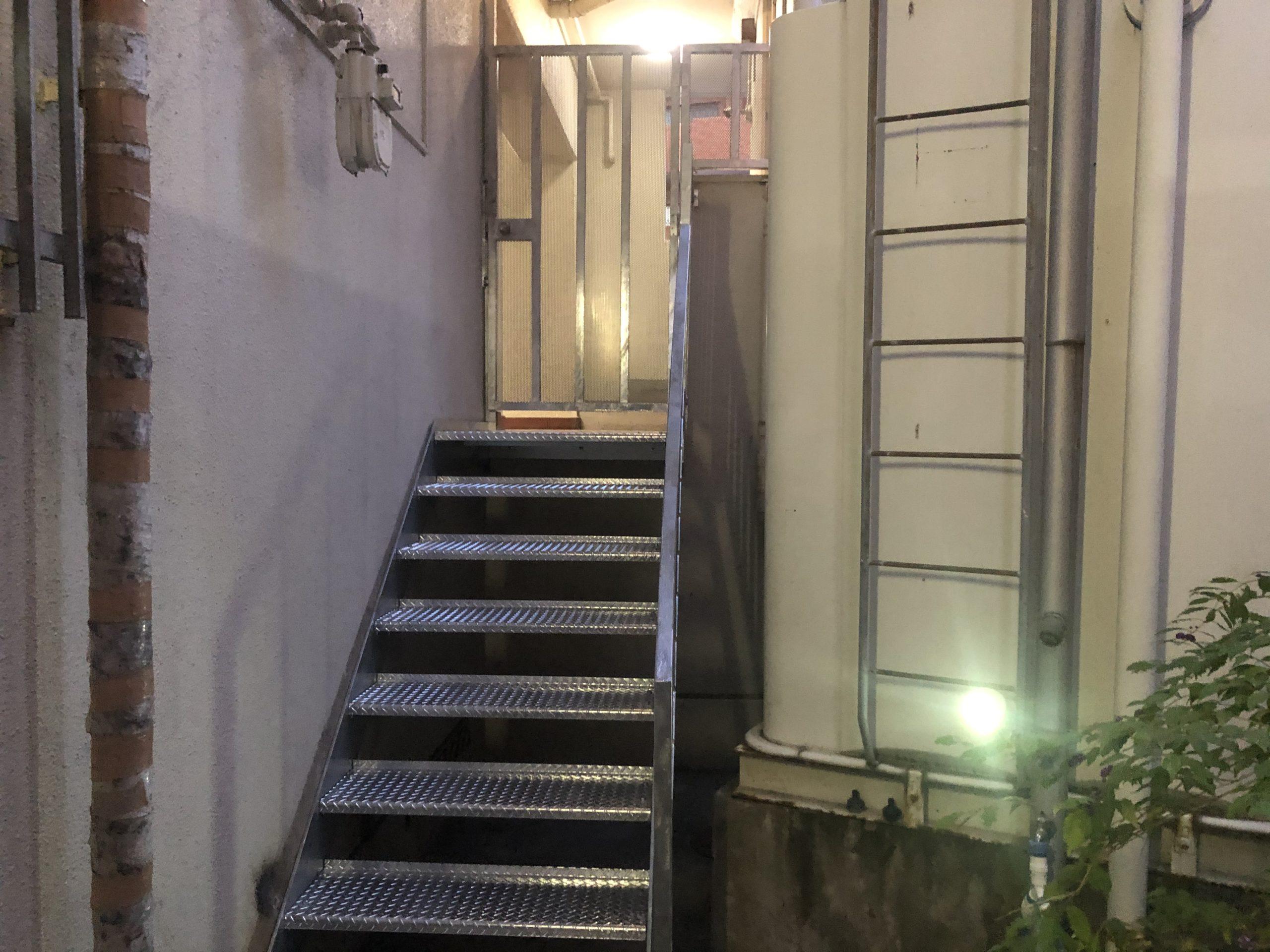 天王寺区 施工後外階段②
