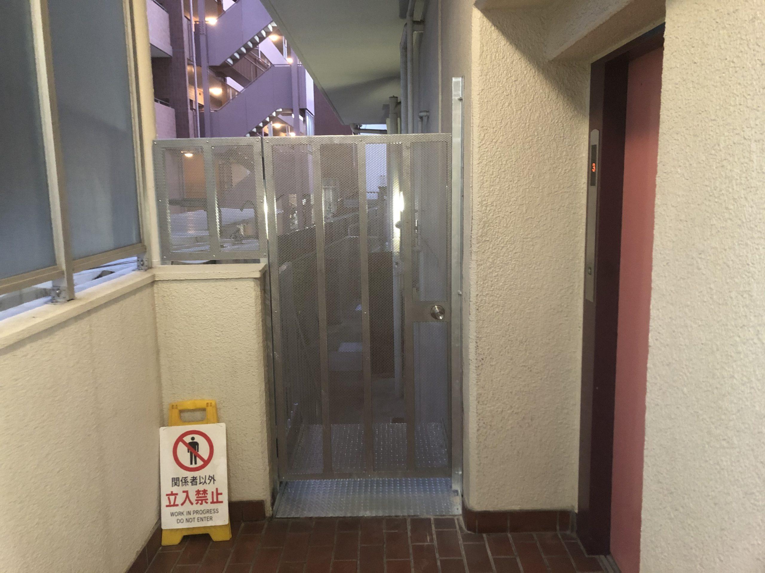 天王寺区 施工後階段扉