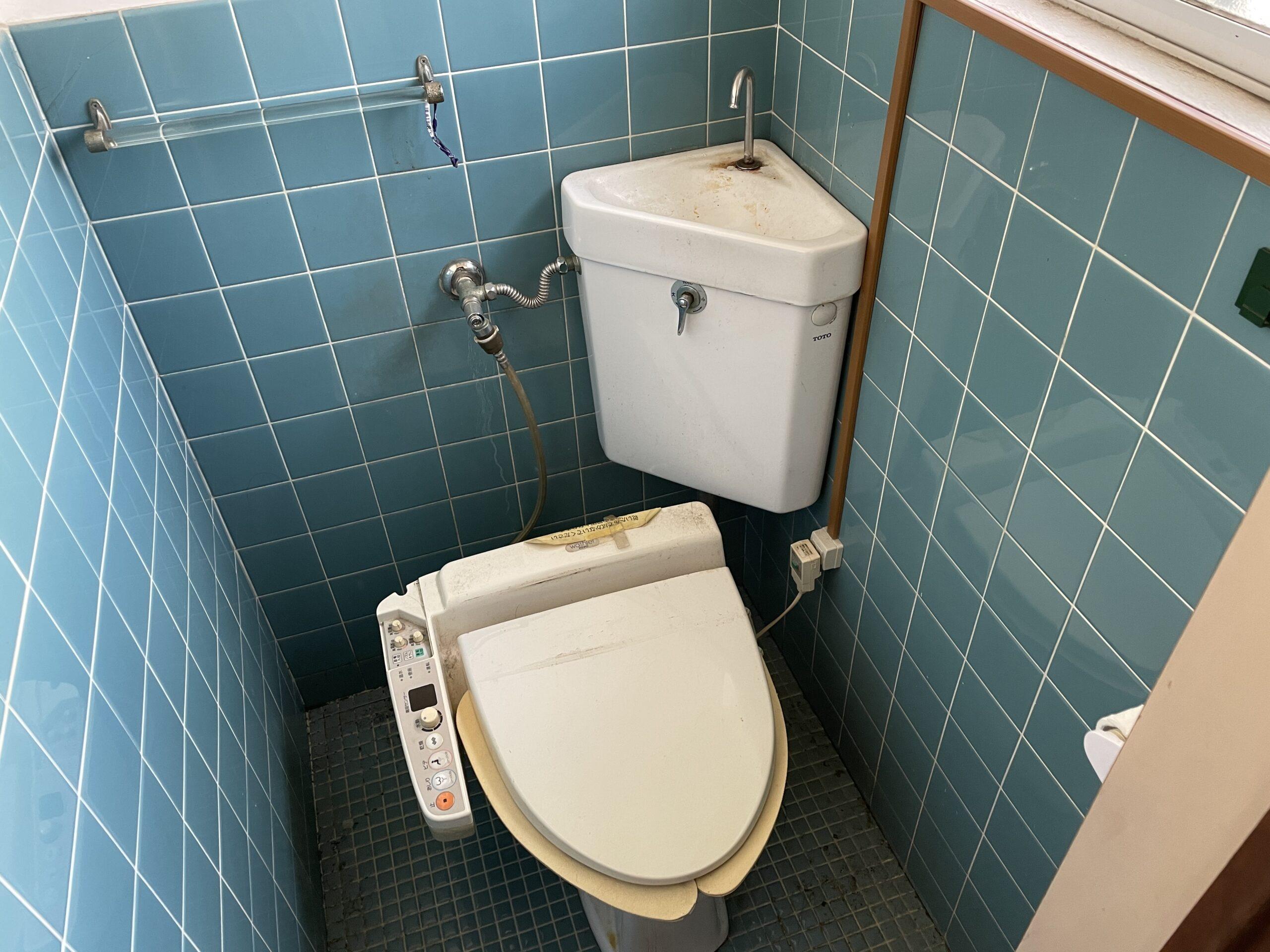 灘区 一体型トイレ 施工前②