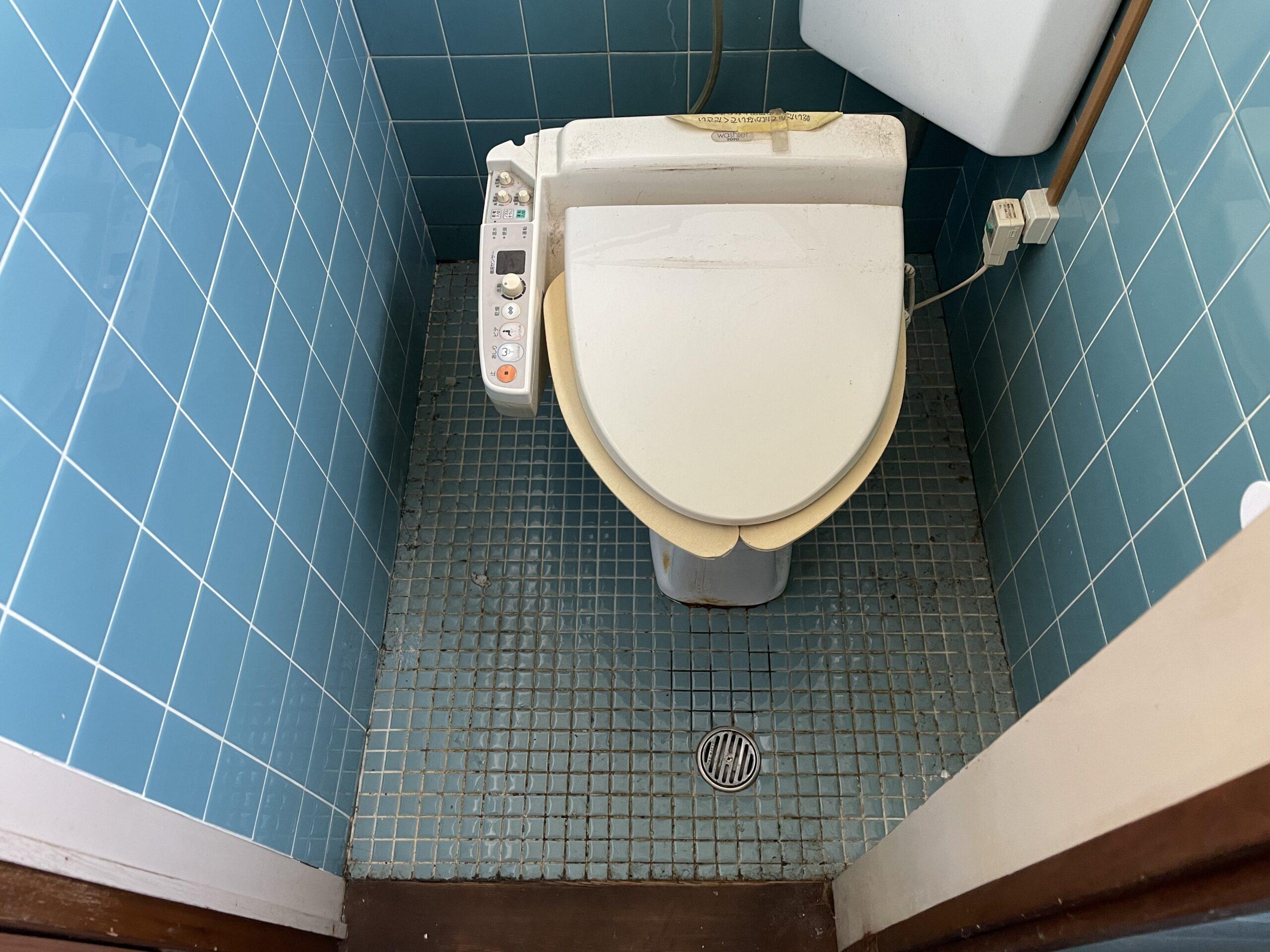 灘区 一体型トイレ 施工前③