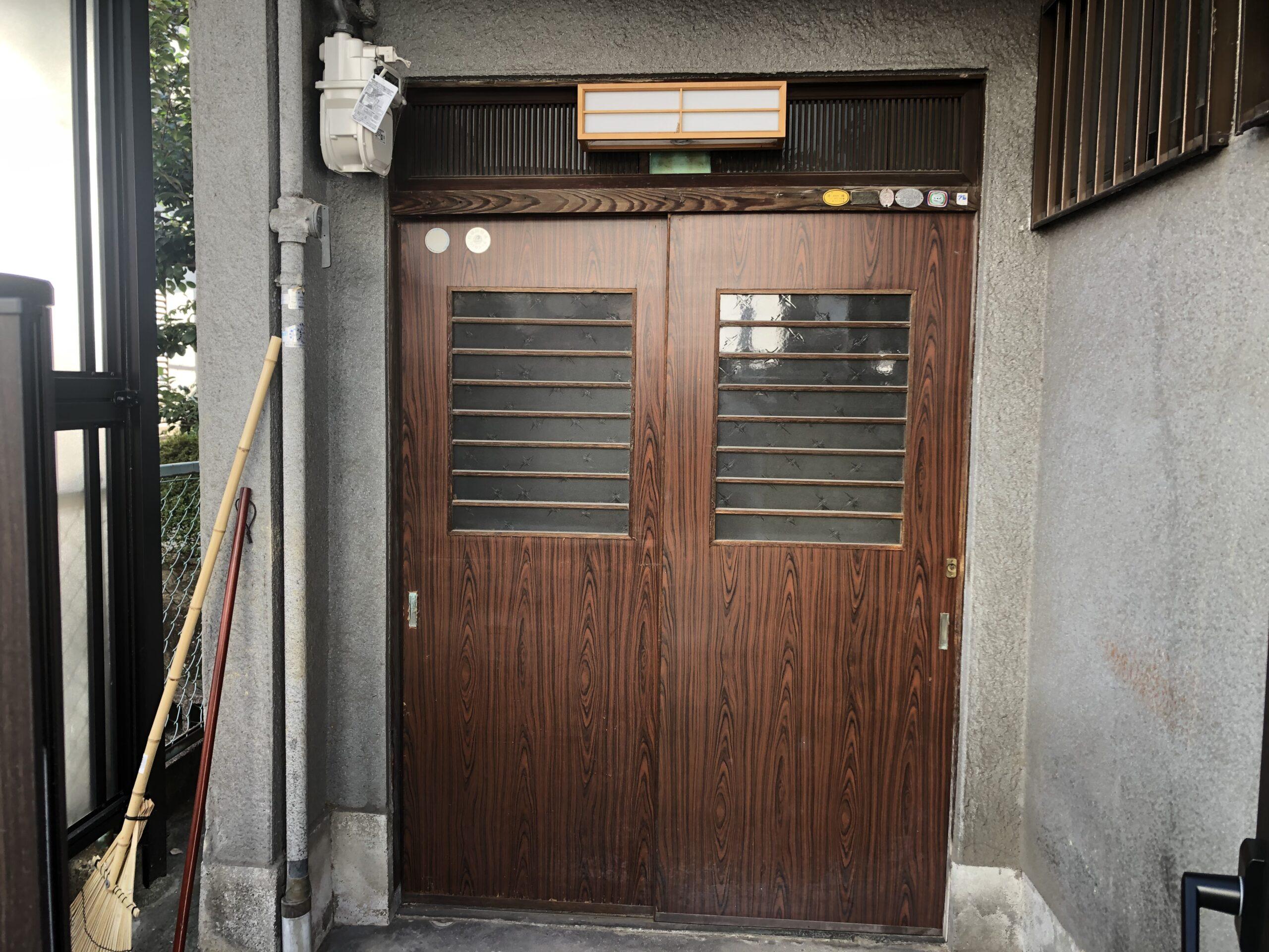 堺市西区 玄関リフォーム 施工前①