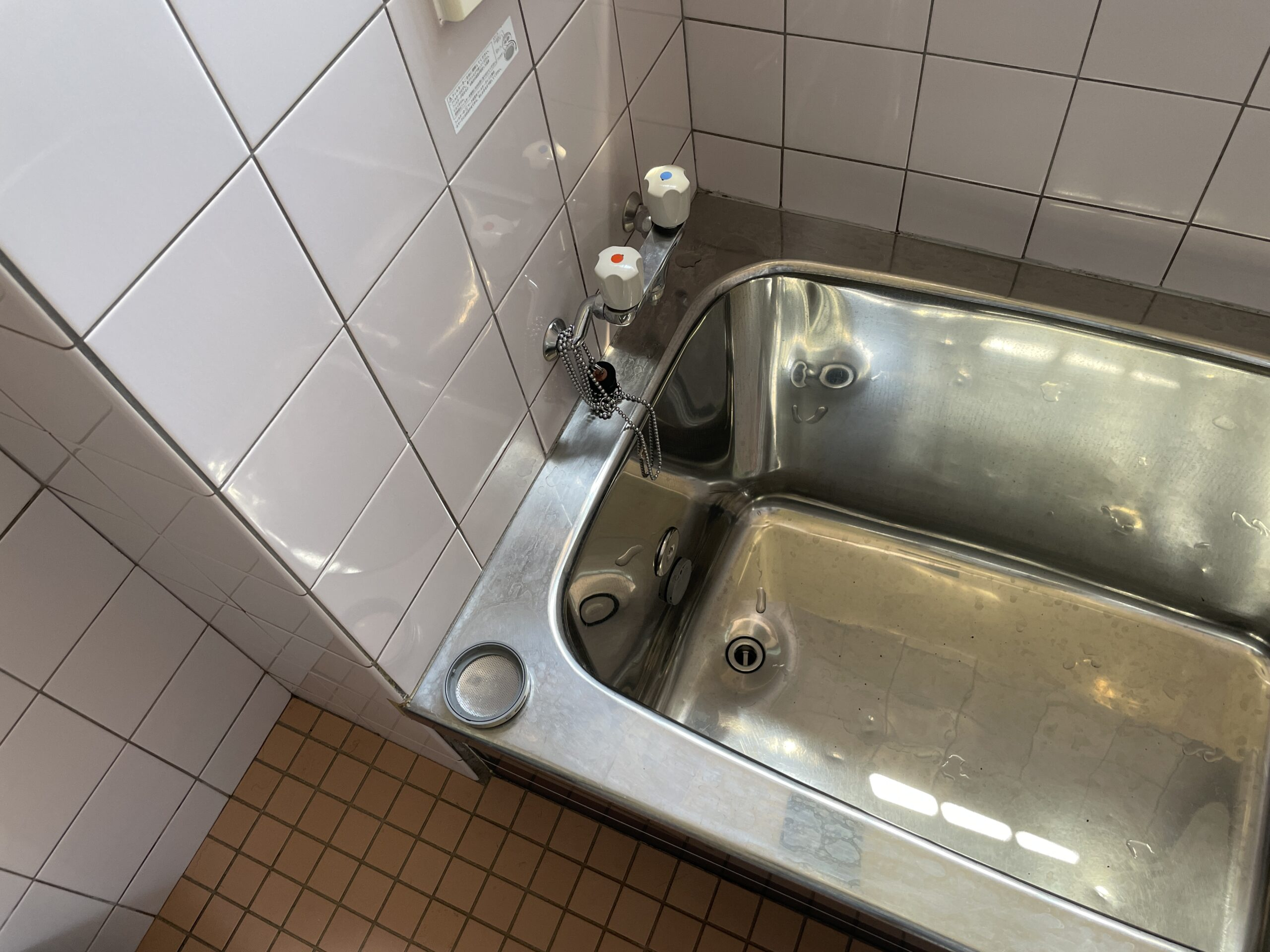 天王寺区 浴槽交換 施工前②