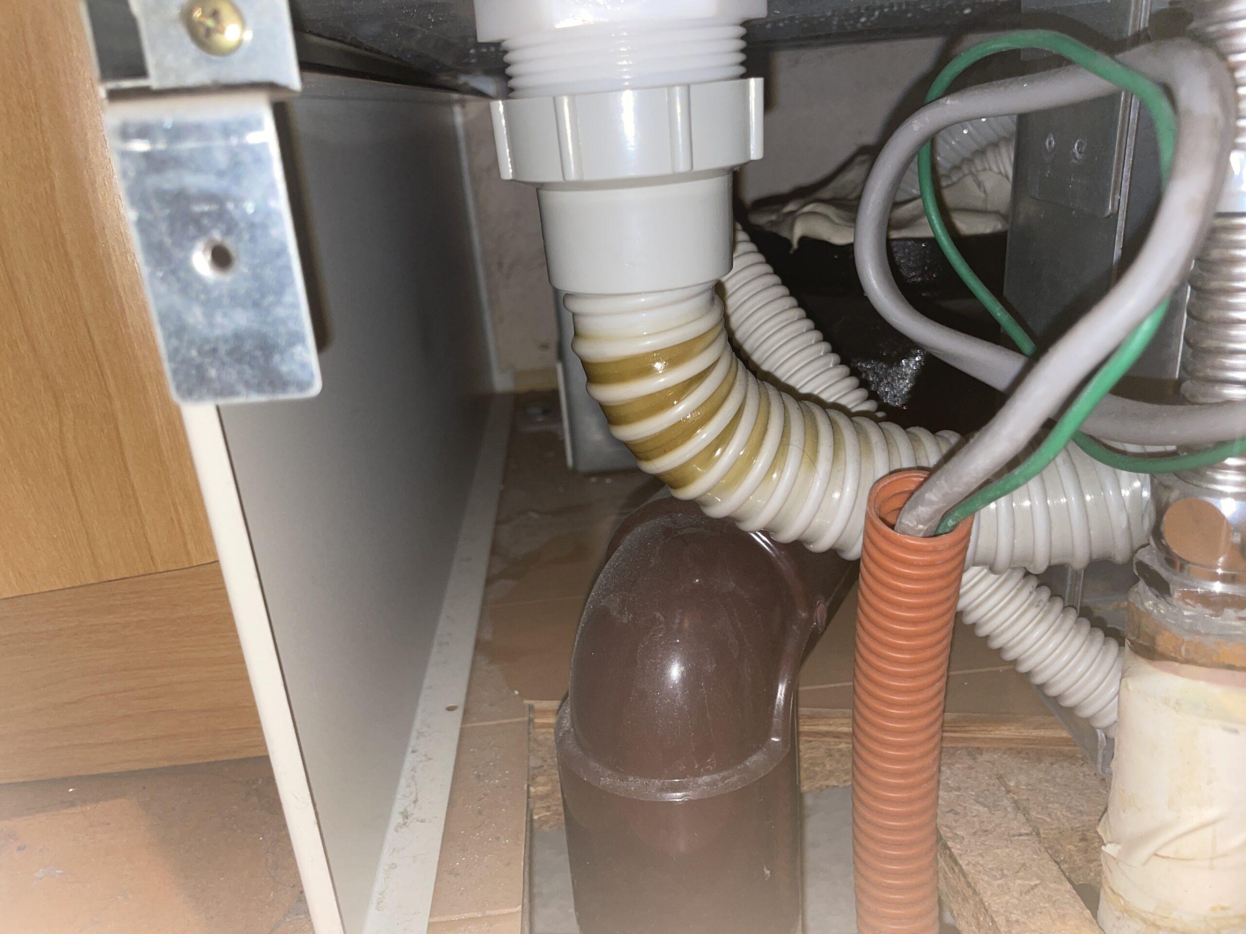 中央区 電気温水器 施工前①