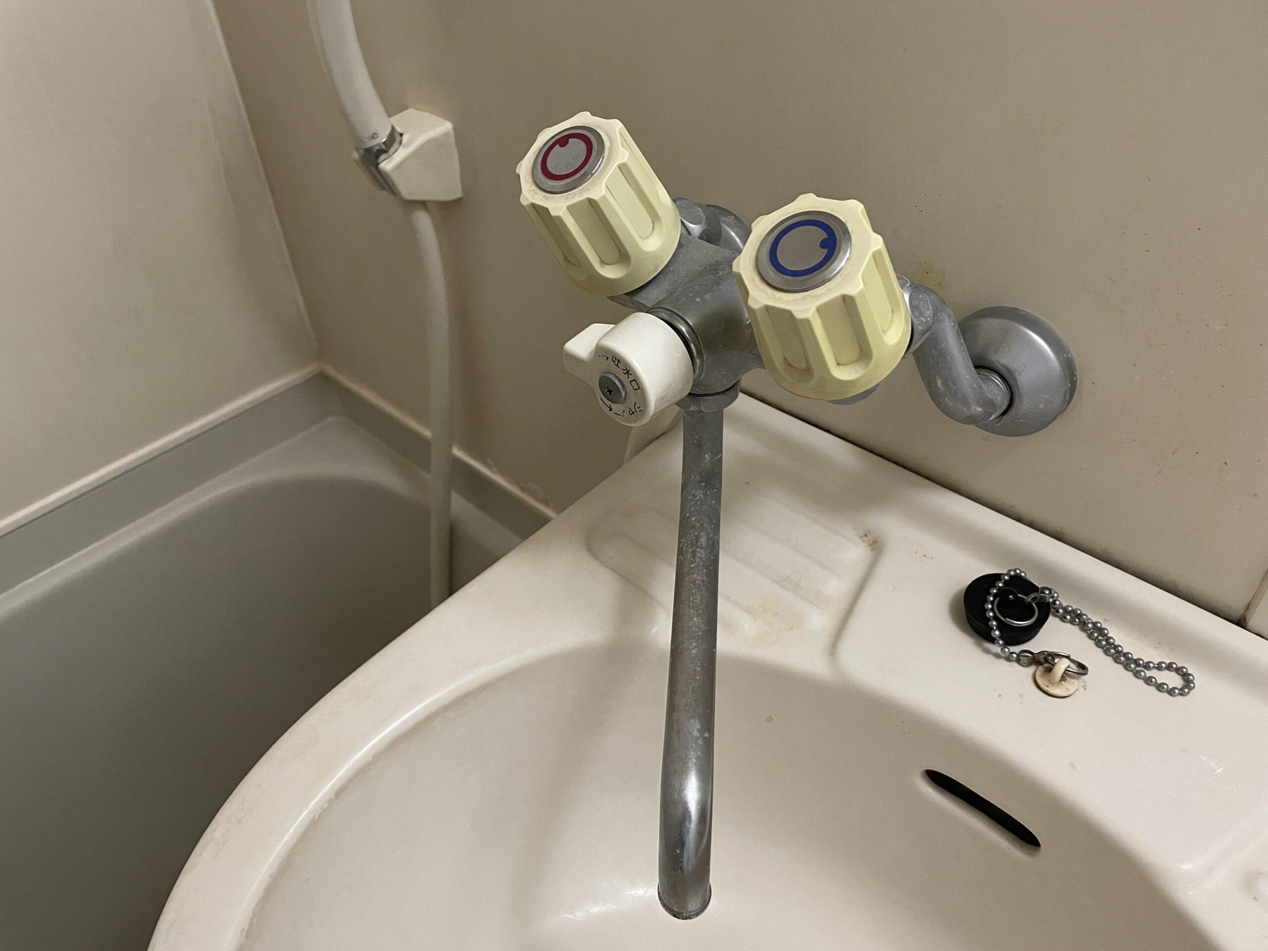 池田市 浴室用蛇口 施工前①