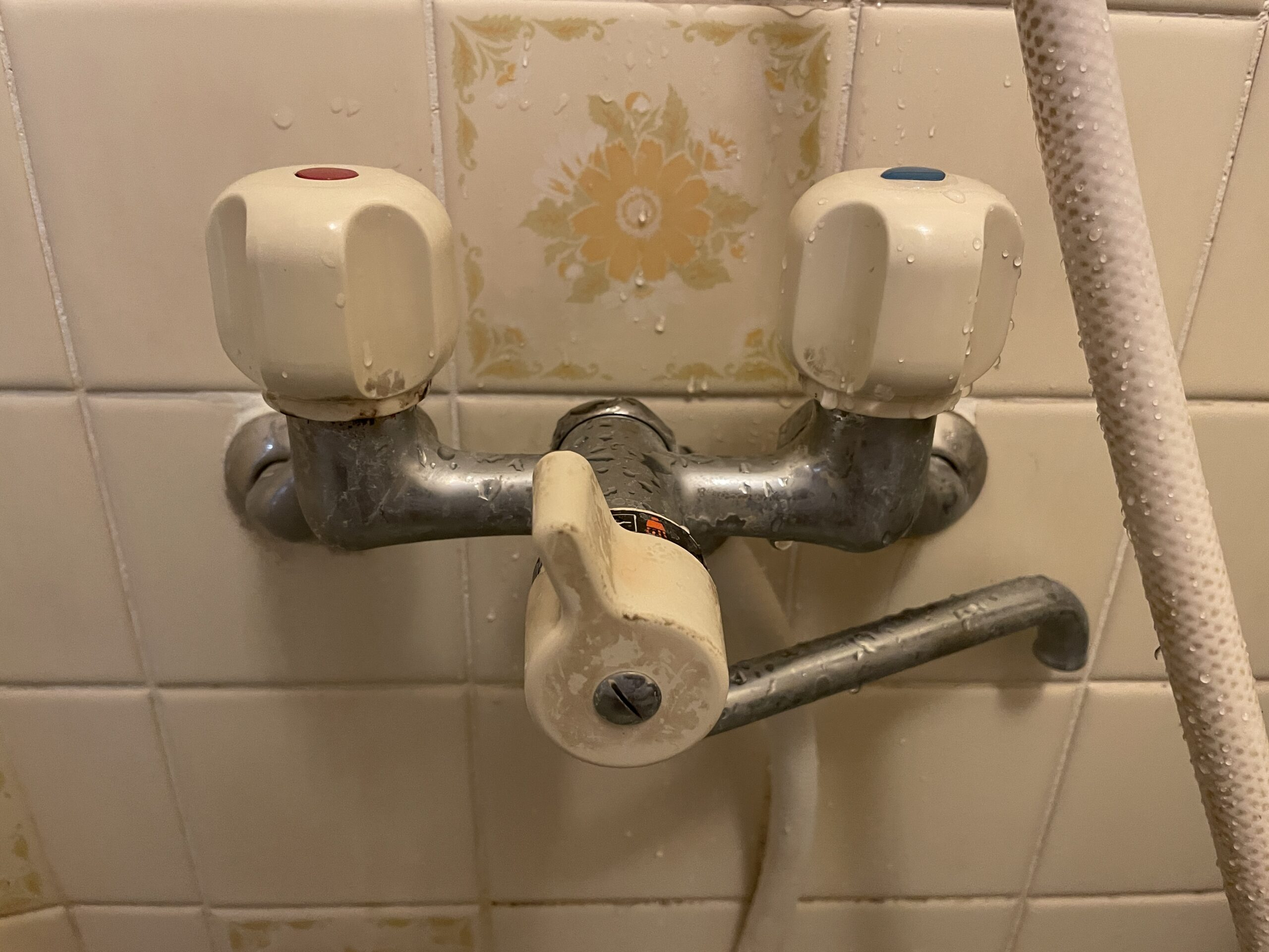 天王寺区 浴室用蛇口 施工前①